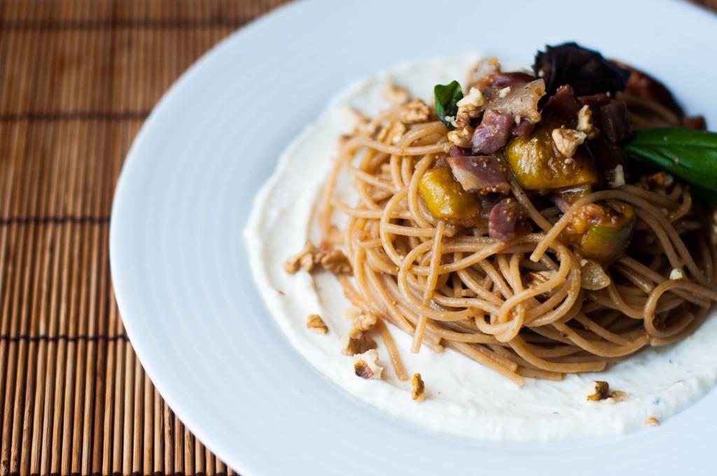 Spaghetti ai fichi e prosciutto di Parma