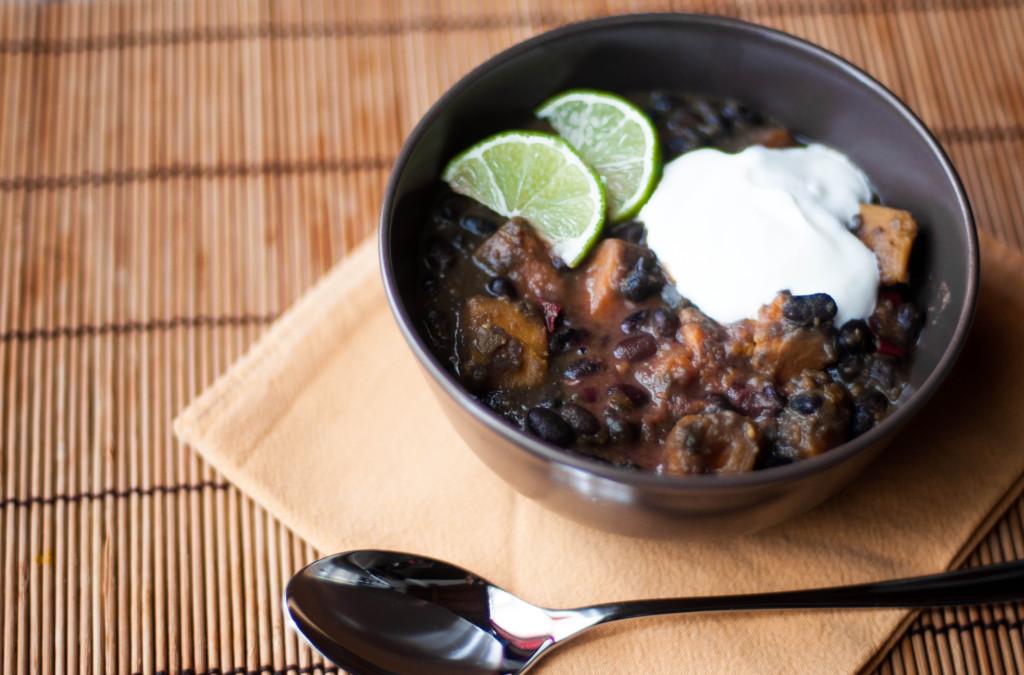 Zuppa di fagioli neri e patate dolci