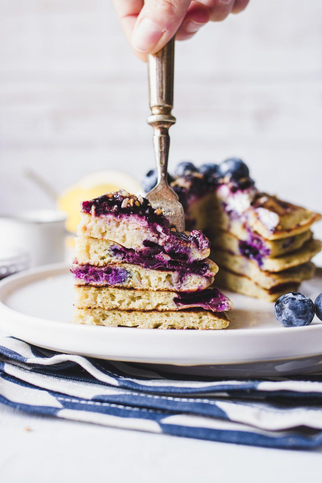 Blueberries and greek yogur pancakes