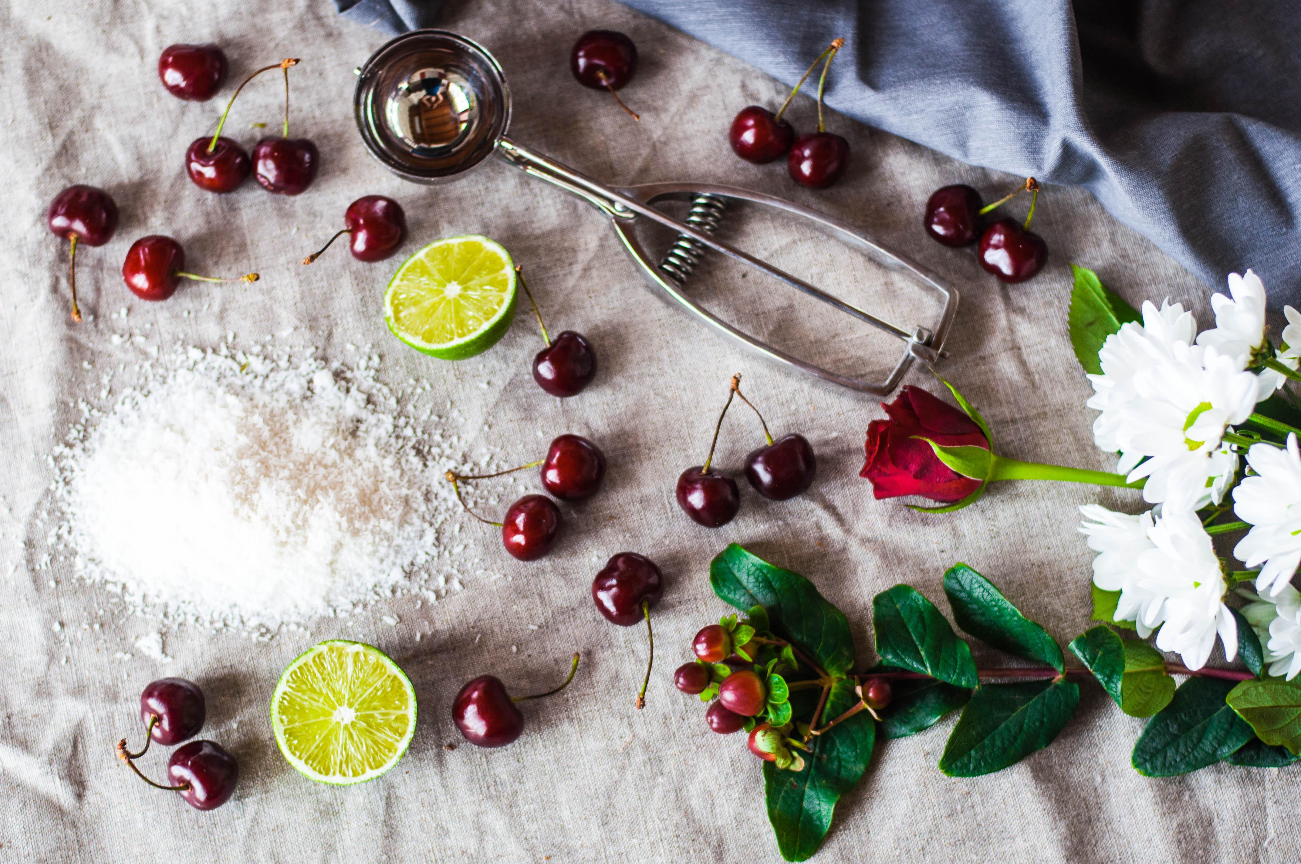 Sorbetto al cocco e ciliegie