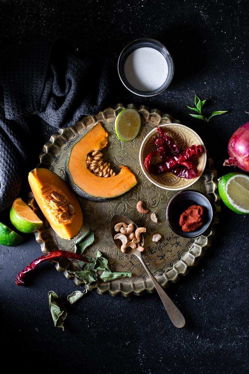 Ingredienti per la zuppa di zucca a curry e cocco