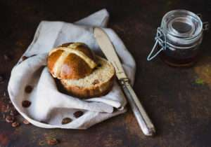 Hot cross bun alla carota