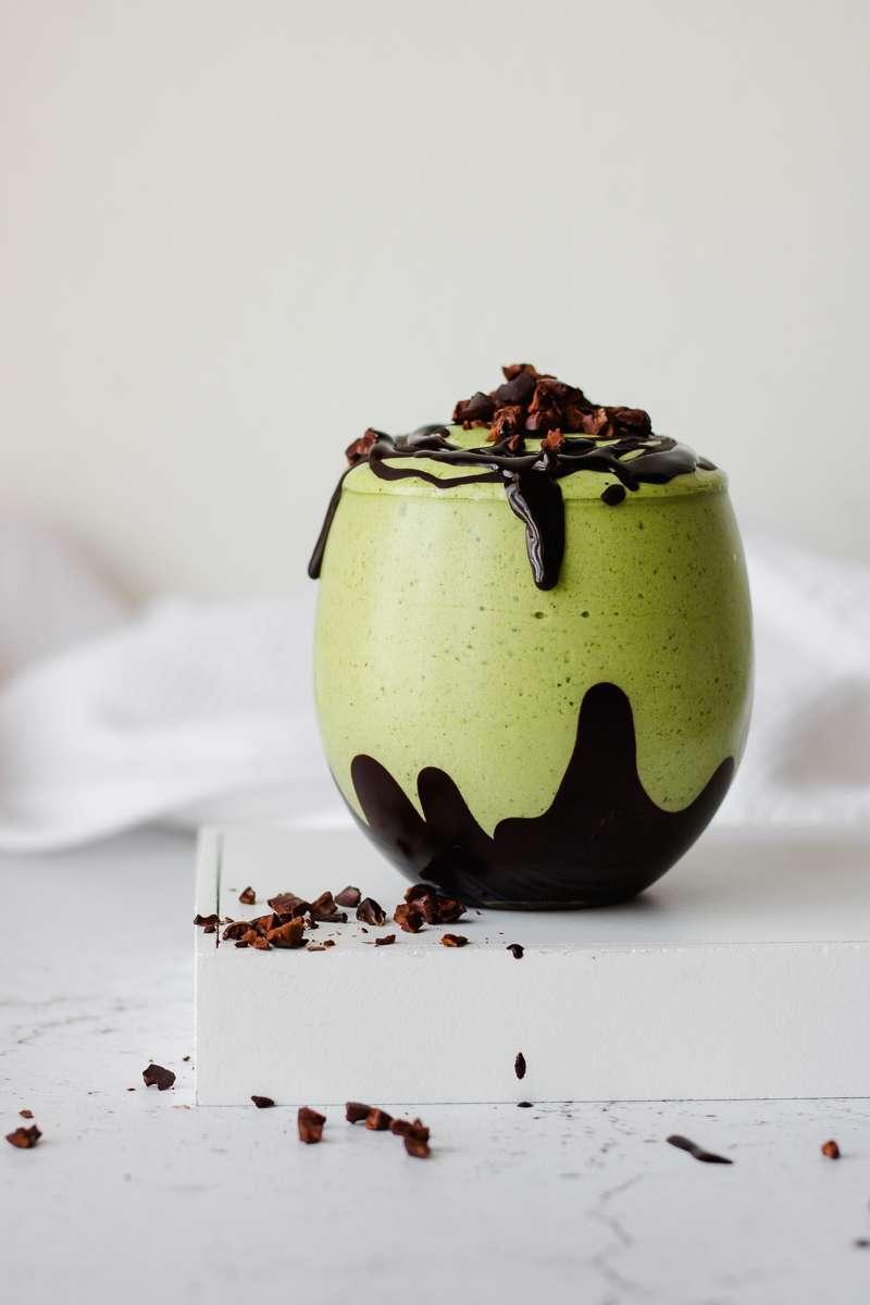 Frappè al tè matcha e cioccolato senza frutta e zucchero, iperproteico, senza glutine