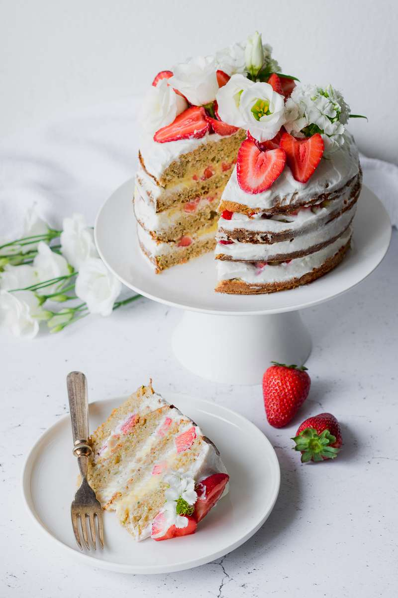 Healthy Naked Cake fragole & limone – 100° post  per 4 anni di Mangio Quindi Sono