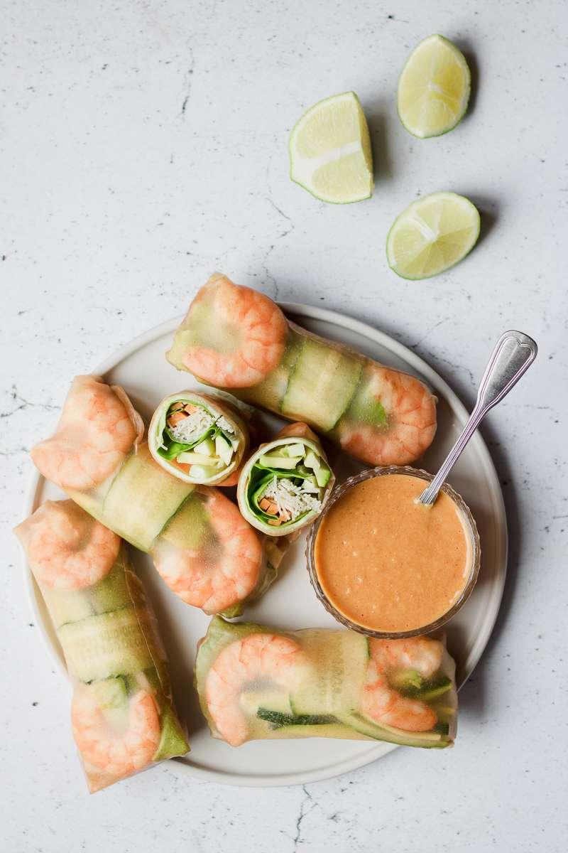 Involtini vietnamiti con salsa alle arachidi e mango