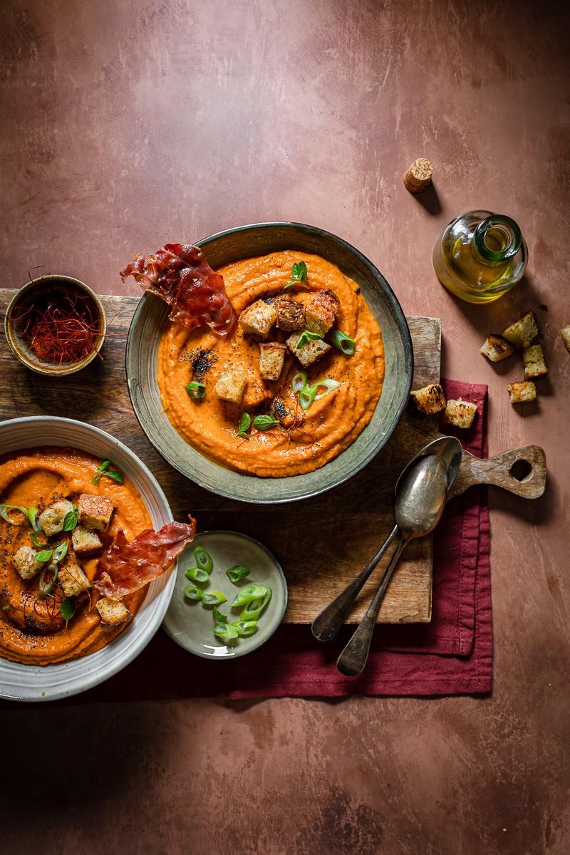 zuppa di verdure estive arrosto con crostini