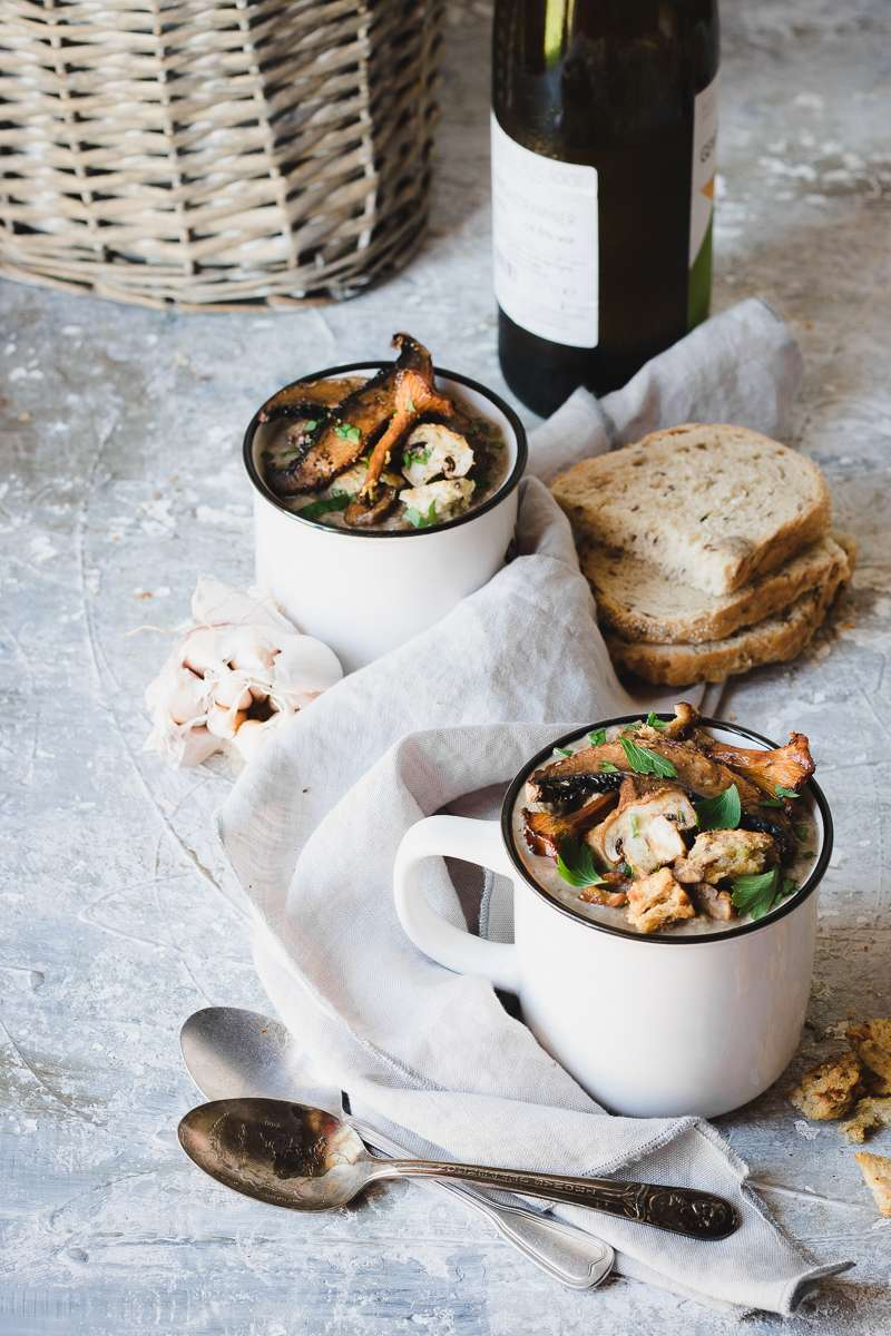 Zuppa di funghi e fagioli borlotti | Vegana