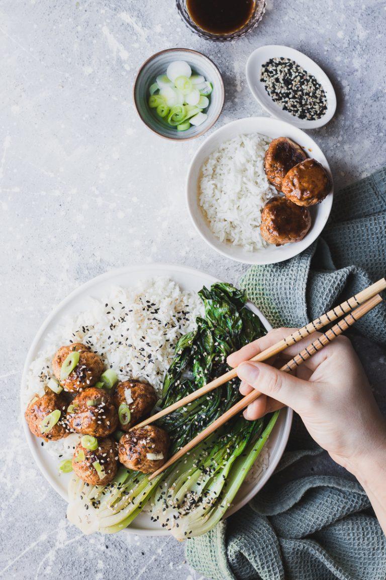 Polpette teriyaki di tacchino con contorno di bok choy e riso jasmine