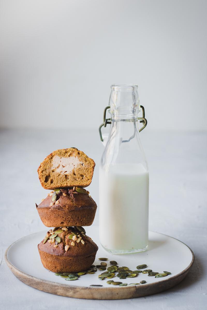 Muffin alla zucca ripieni di cream cheese