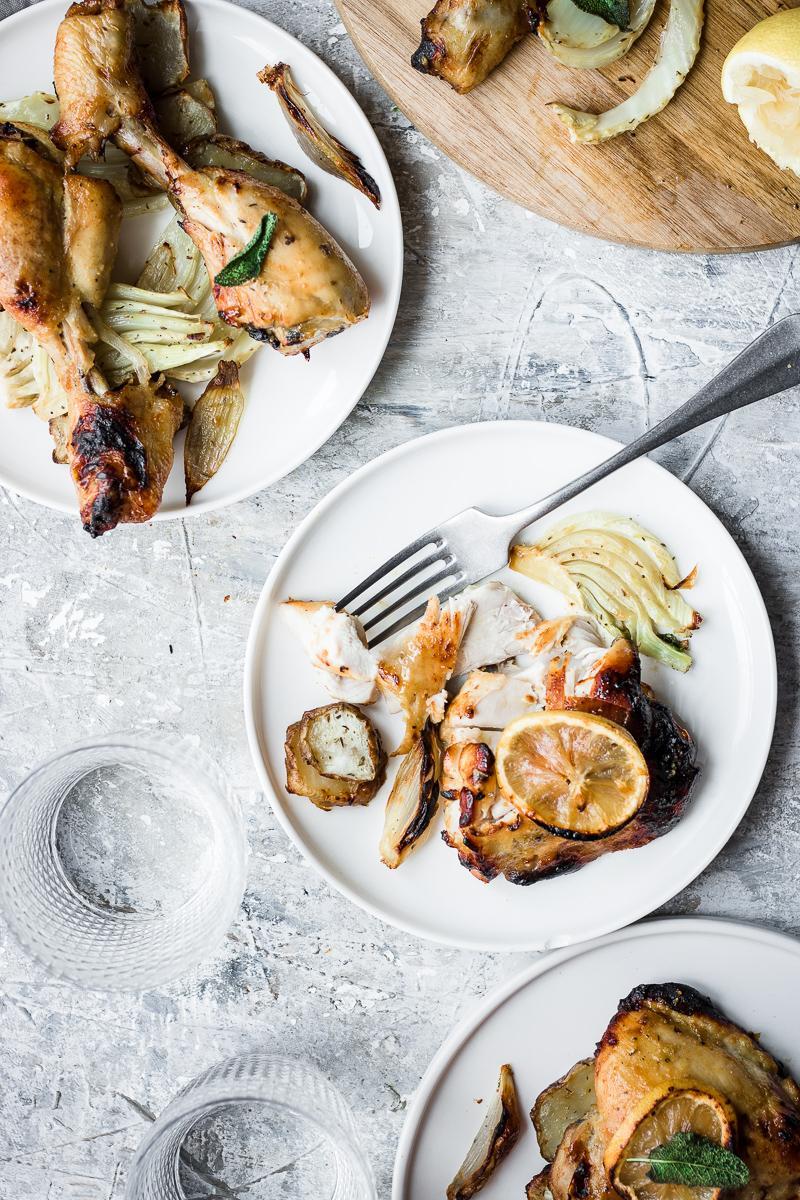 Cosce e sotto cosce di pollo arrosto senza pelle nè olio, facili, sane e buonissime
