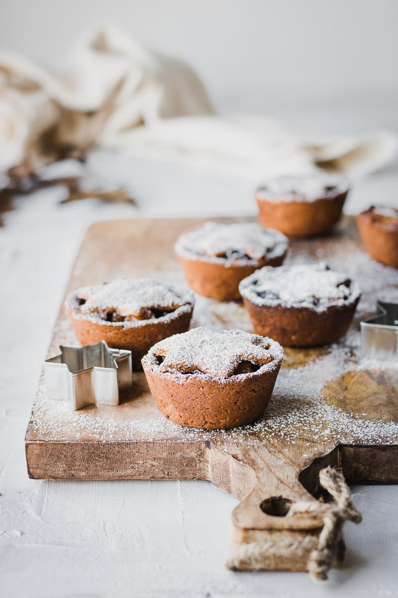 Tortine ripiene di pere speziate | Senza glutine e senza latticini