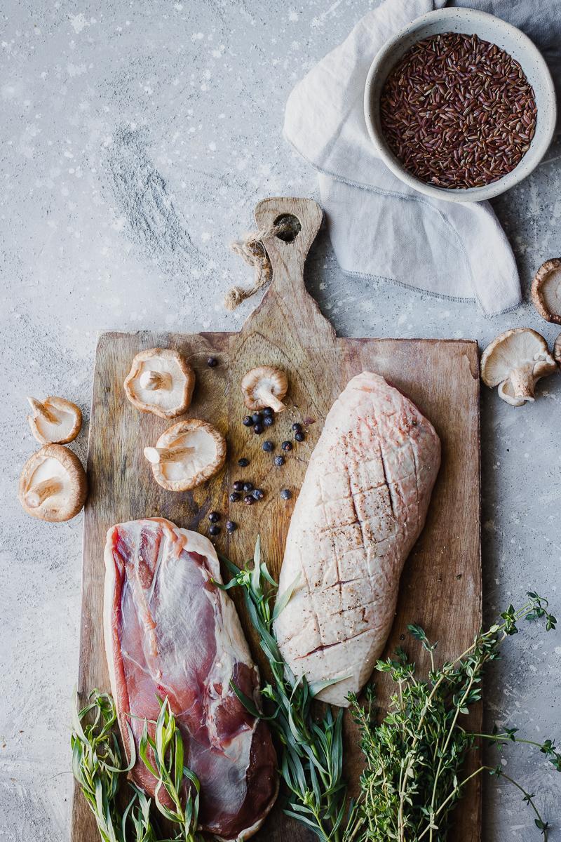 Ingredienti petto d'anatra al melograno con verdure arrostite e letto di riso rosso selvaggio