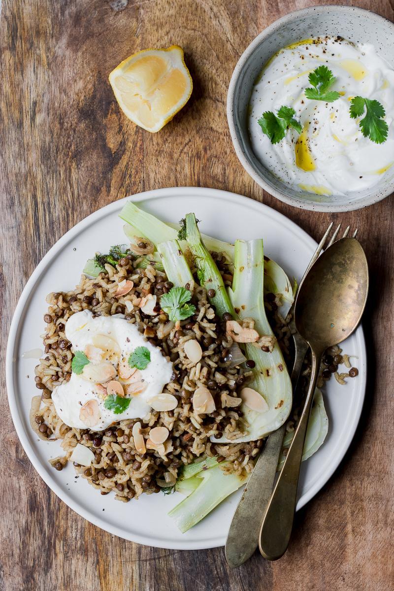 Mujadara, riso integrale e lenticchie avanzate con finocchi grigliati