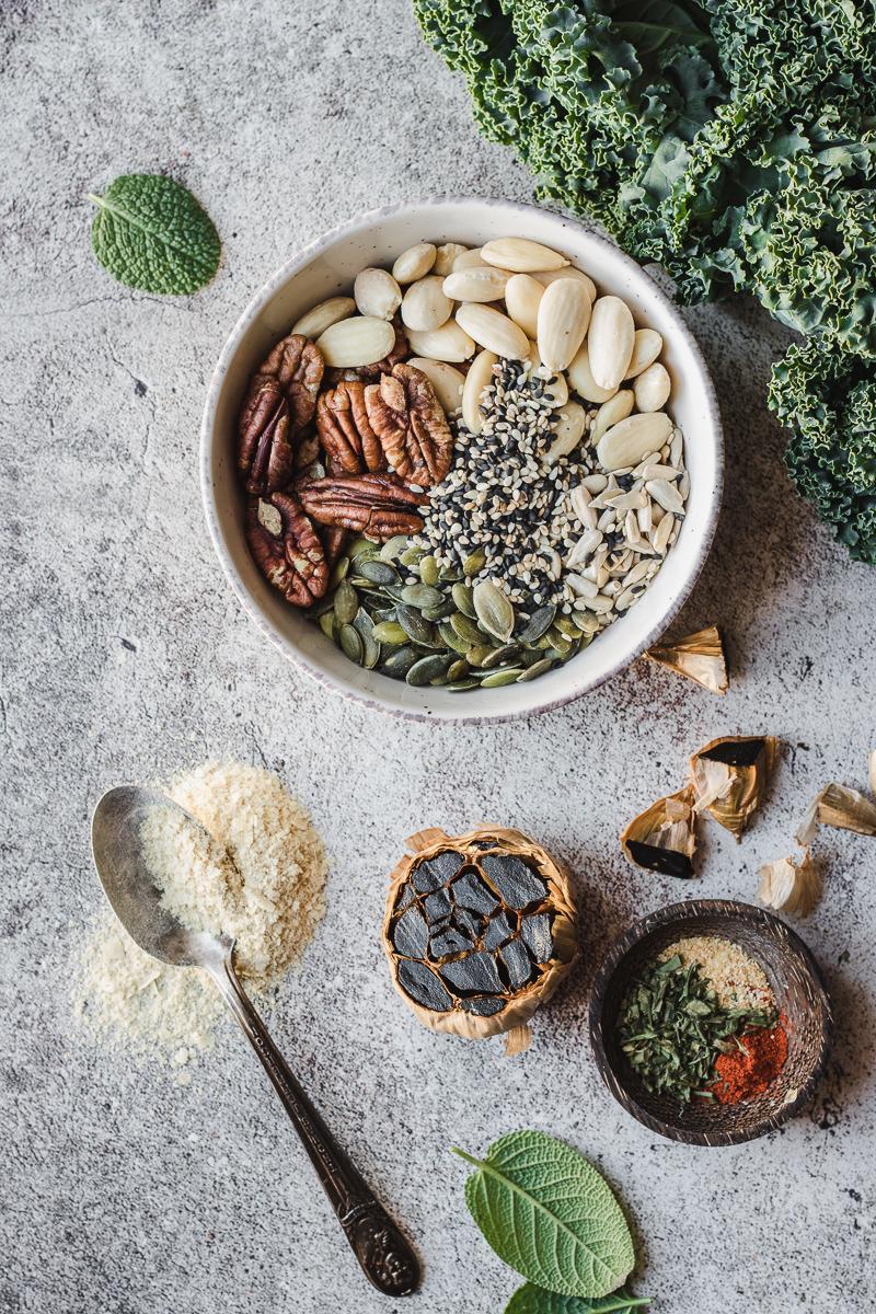 Ingredienti per il condimento vegano della pasta di ceci