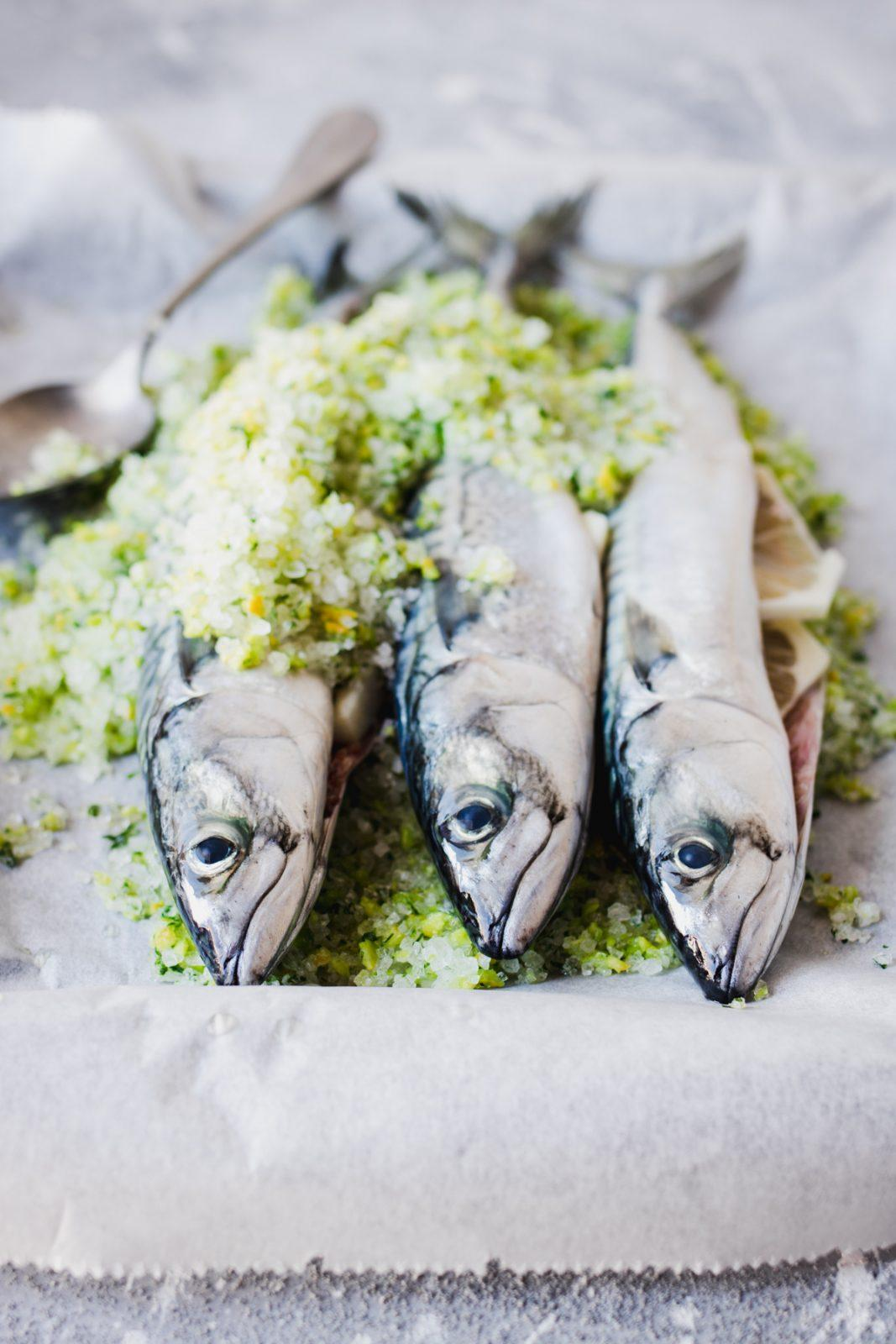Herbs & salt encrusted mackerels