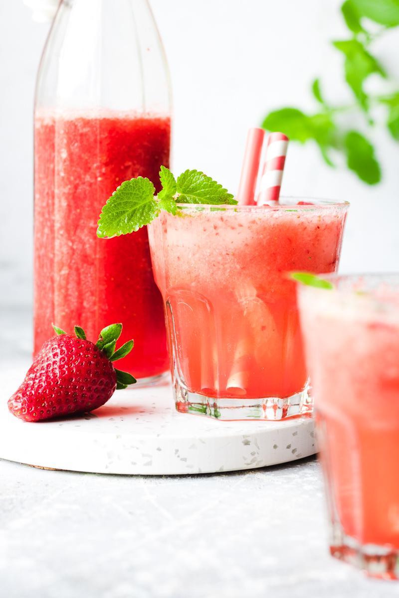 Strawberries & lemon balm bellini - Bellini alle fragole e melissa