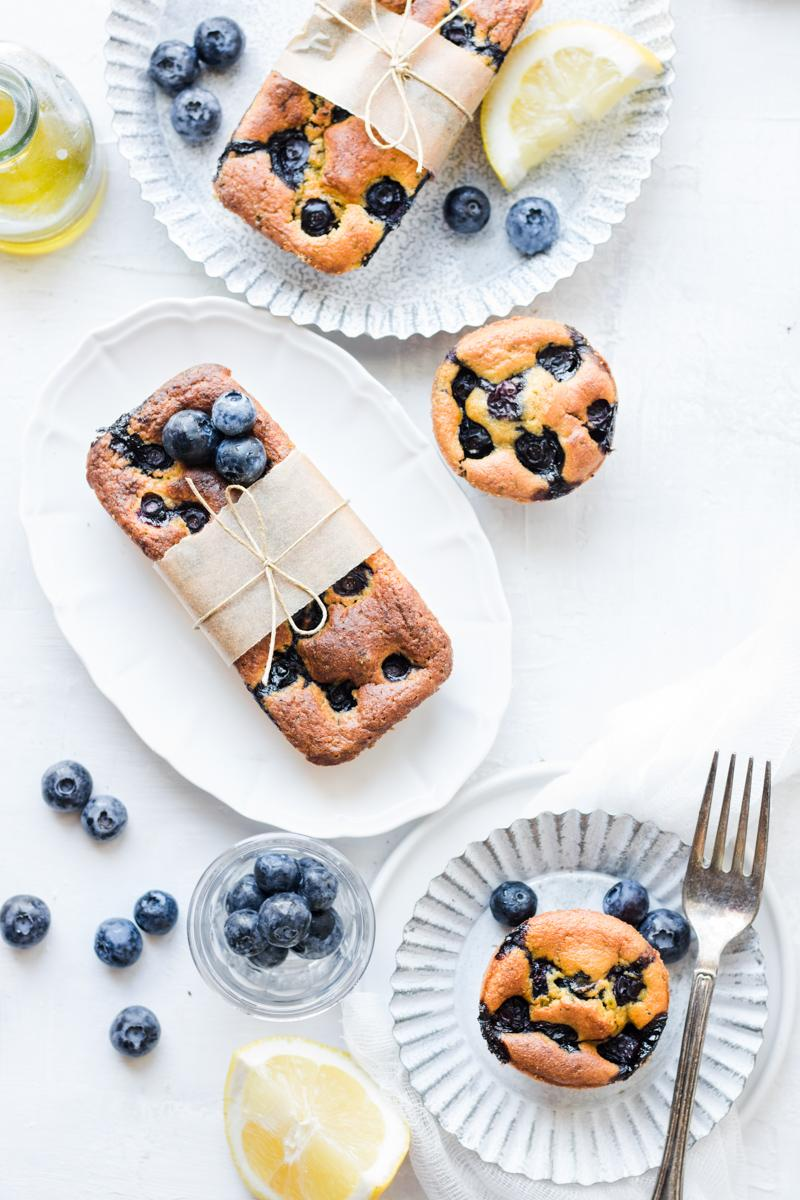 Muffin e mini plumcake ai mirtilli e limone, senza glutine, senza zucchero e senza burro