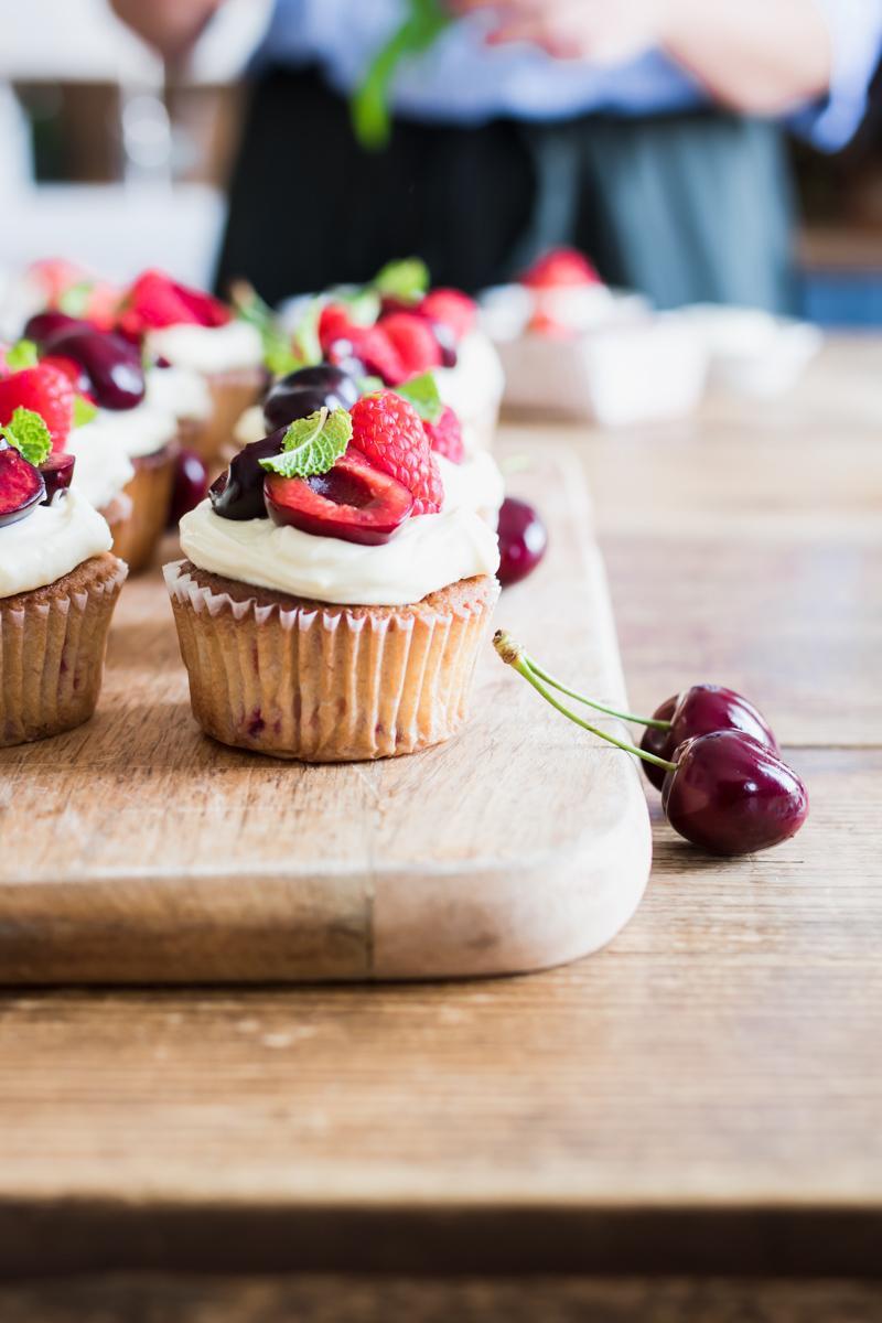 Cupcake al limone, lamponi e ciliegie per The Cook's Club dell'estate per KitchenAid
