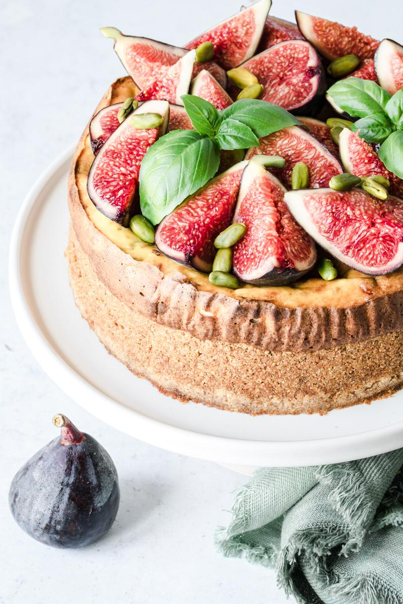 Come preparare una cheesecake salata ai fichi e gorgonzola
