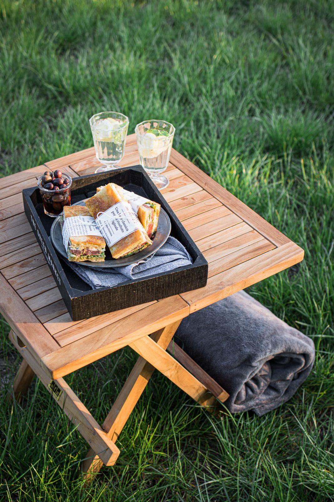 picnic di pasquetta con panini di focaccia farcita