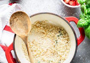 come preparare il risotto alle fragole e gamberi