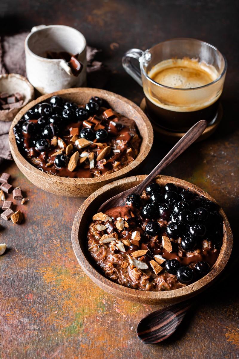 porridge d'avena al cioccolato con zucchine