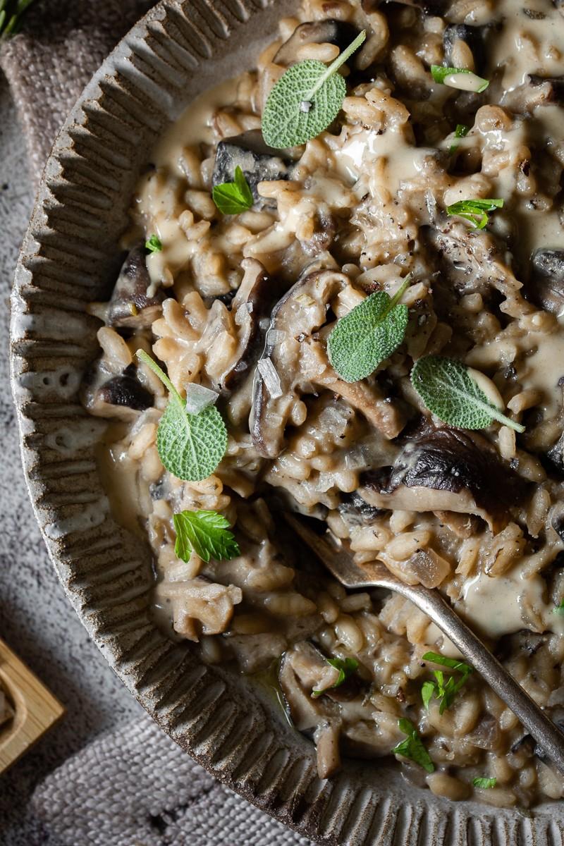 risotto ai funghi con miso e thaina
