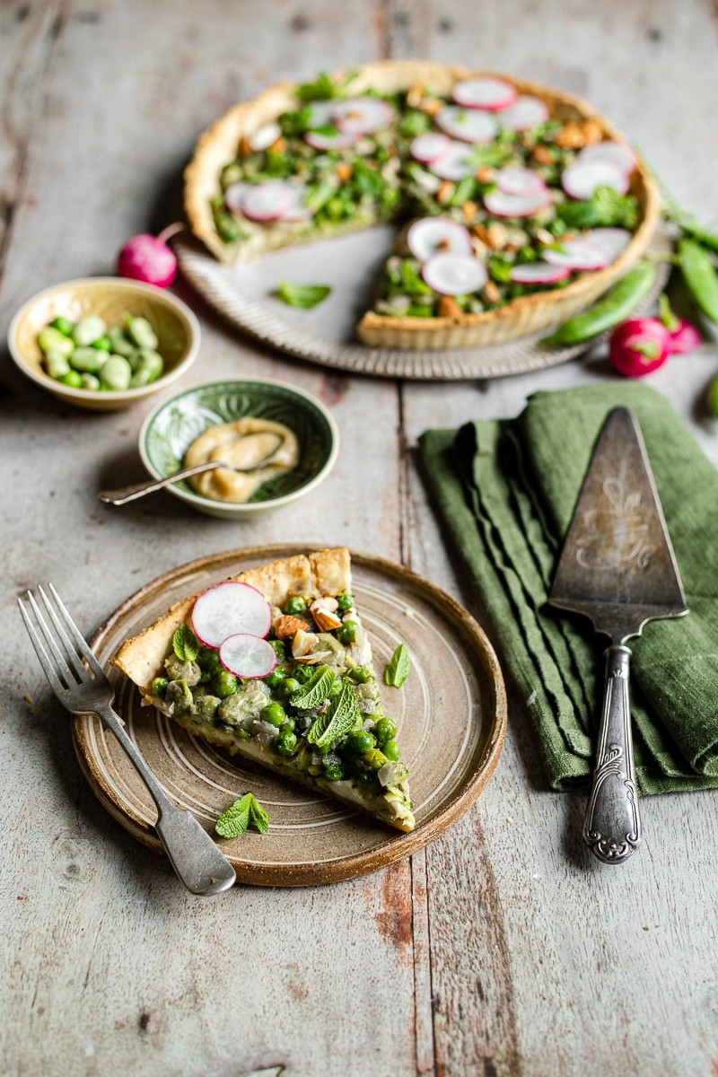 torta salata ai piselli, fave e crescenza senza uova