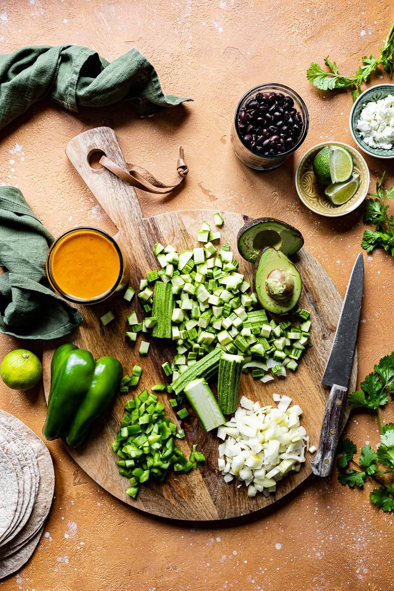ingredienti enchiladas vegetariane