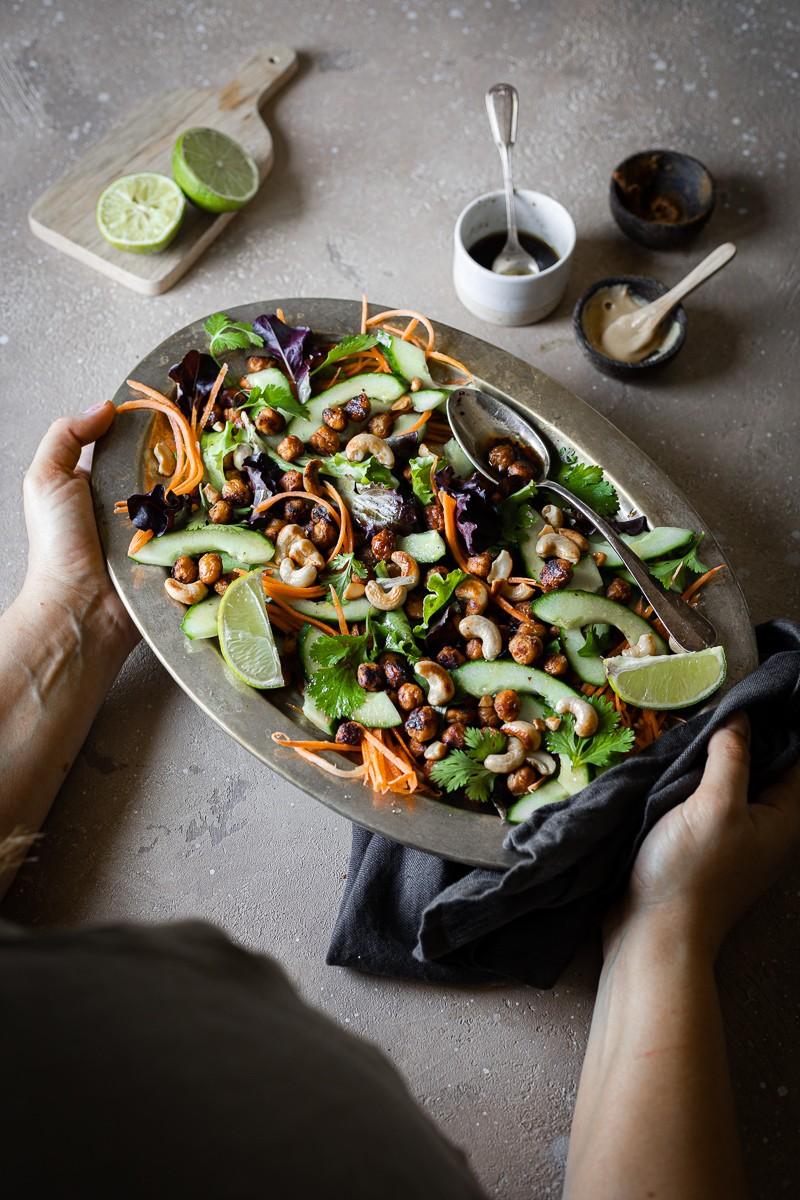 ricette estive con i legumi insalata di ceci arrosto speziati